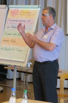 Rolf Steiger begleitet durch den Nachmittag