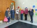 Besucher in der Turnhalle