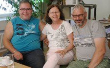 Gruppe ja-SL lädt den Verein »mensch zuerst» ein.
